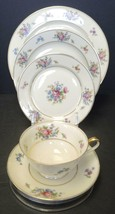 Queen's Rose by Tirschenreuth - Five Piece Place Setting - $33.24