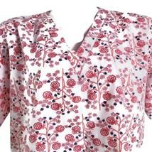 Natural Uniforms Floral Medium Red White Flowers Scrub Top - $14.84