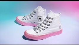 Converse X Miley Cyrus White/Pink Dogwood Hi Tops NWT Sz 8 - $1.475,11 MXN