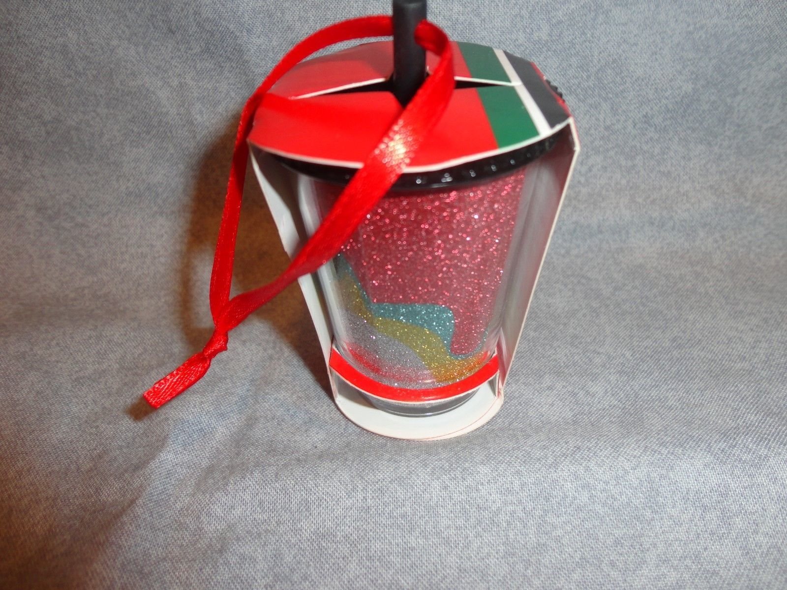 STARBUCKS 2018 GLITTER COLD CUP WITH STRAW ORNAMENT
