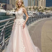 Elegant Lace Wedding Dresses A-line Light Pink Beach Bridal Gown O-Neck Sleevele