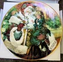 Avon Wonder of Christmas 1994 Plate Victorian Santa w Little Girl - $16.00