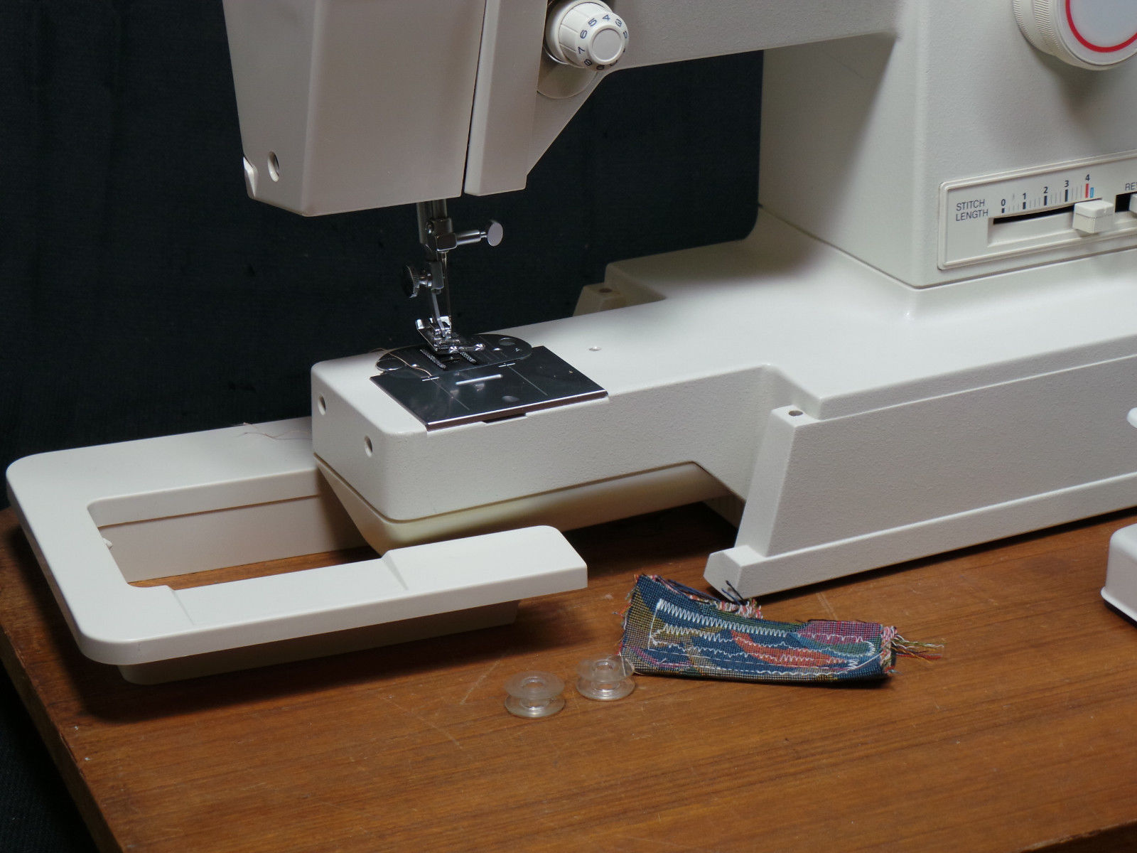 Singer Merritt 4552 Sewing Machine Portable And 12 Similar Items Necchi Supernova Threading Diagram Vintage Upholstery Denim Light Leather Svcd