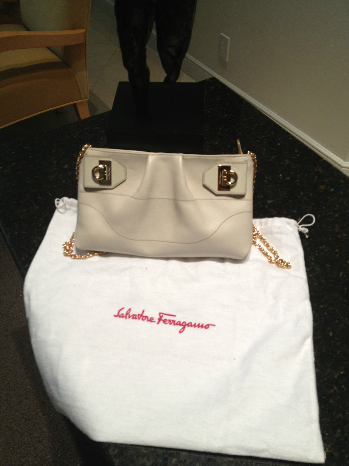 cd5623e5b92c  NEW FERRAGAMO BAG BEIGE LEATHER SHOULDER CROSSBODY YOU WILL LOVE IT!
