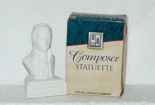 Hal Leonard Willis Music 00416578 Mozart Composer Statuette Porcelain 5 Inches