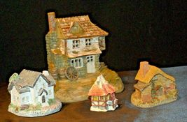 Cottages Holiday Decor Pieces (4) AB 630 Collectible Vintage image 3