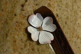 Vintage Pin PINK TINGED WHITE Dogwood Blossom Marvella Enameled  MID CEN... - $29.99