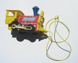 Fisher Price TOOT-TOOT TRAIN Engine Wood Plastic Vintage Pull Toy 643 Go... - $5.84