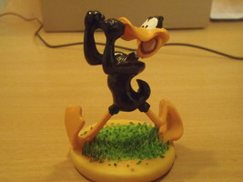 "Extremely Rare! Looney Tunes Daffy Duck ""Bring it on!"" Small Figurine St... - $102.00"