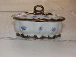 Jean W Serpa Hand Painted white gold purple Trinket box Vintage '13~ - $21.77