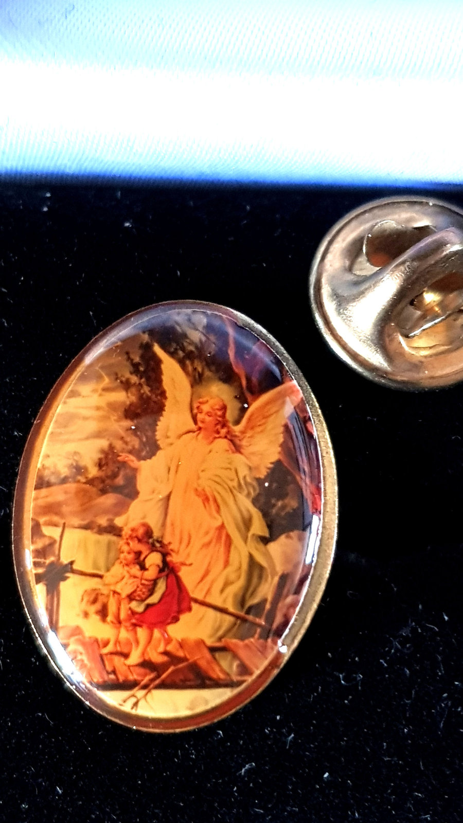 vintage cameo guardian angel, from usa Metal Enamel Badge Lapel /tie Pin Badge