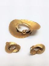 Coro Pegasus Vintage Pin and Earrings Set - $21.59