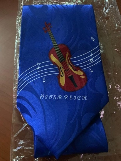 Novelty beautiful new necktie w/violin image 2