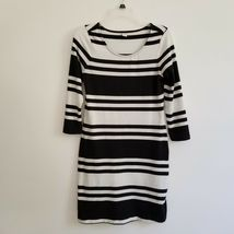 Old Navy S Small Dress Black White Striped Shift Scoop Neck D1MP - $10.99