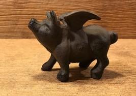 Small Flying Pig Cast Iron Metal Figurine Statue Rustic Garden Decor 018... - $13.60