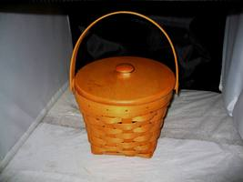 1997 Longaberber Round Classic Covered Fruit Basket - $25.00