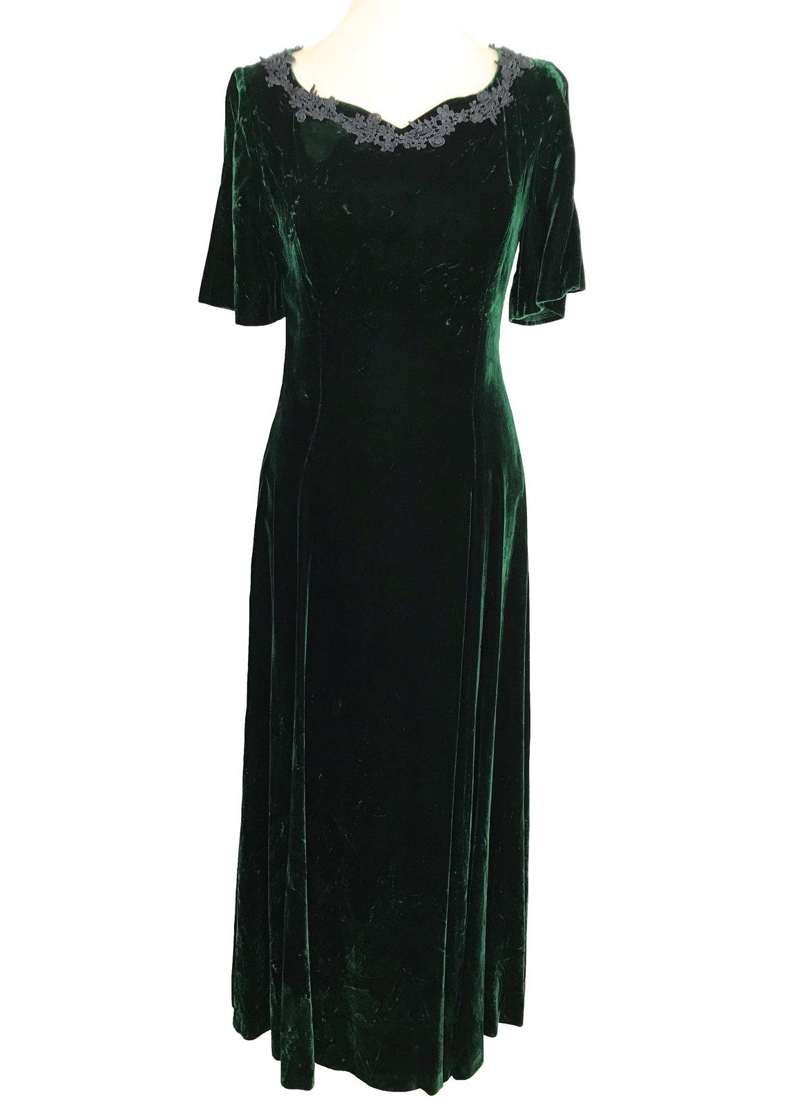 Vintage Crashed Velvet Forest Green Heart Shaped Crochet Lace Trimmed Full Lengt image 2