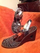 Naturalizer Women's Black Leather Cutout Wedge Heel Sandals T Strap 6.5M Shoes - $25.24