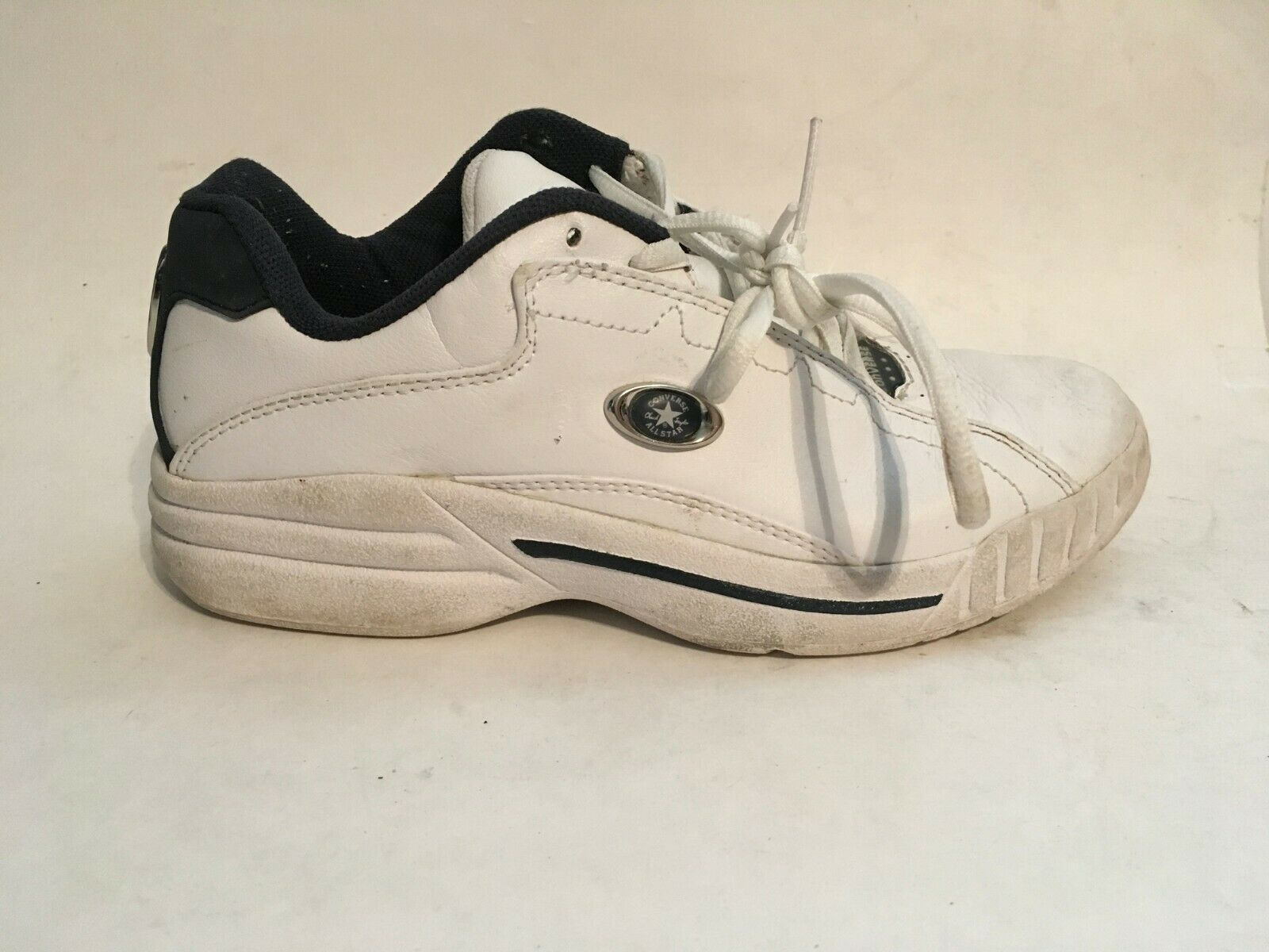 Converse All-Star Womens White Leather Athletic Running Walking Shoes sz 5 image 3