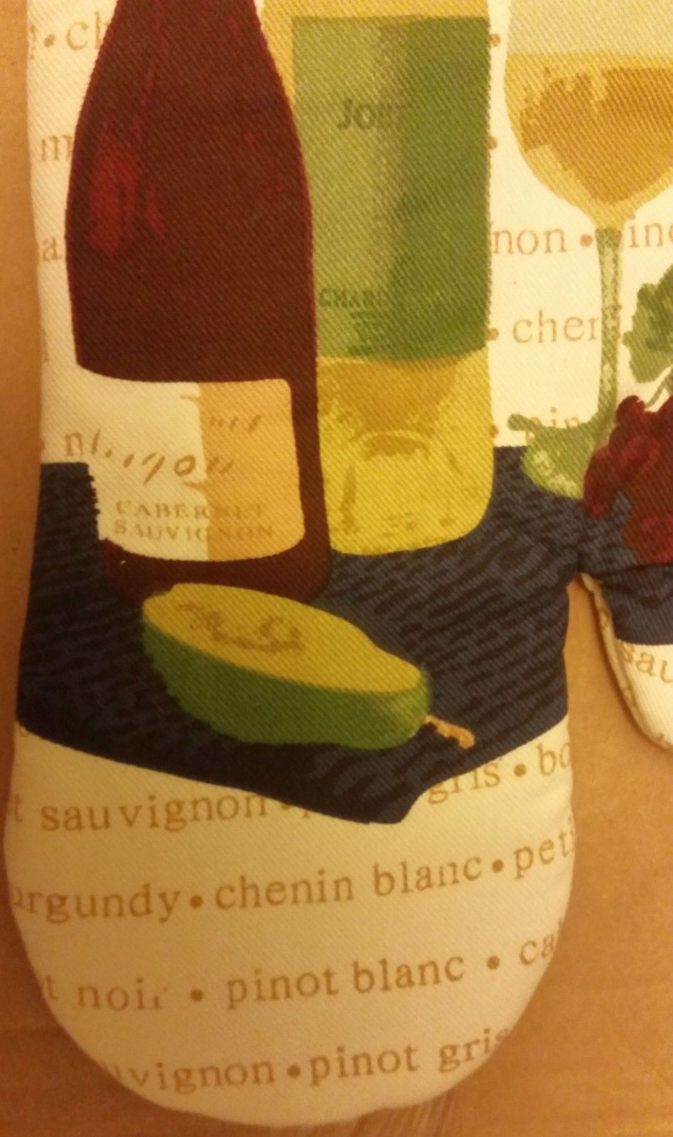 """Printed Kitchen 13"""" Large Oven Mitt, WINE & GRAPES ON SPECIAL BACKGROUND by BH"""