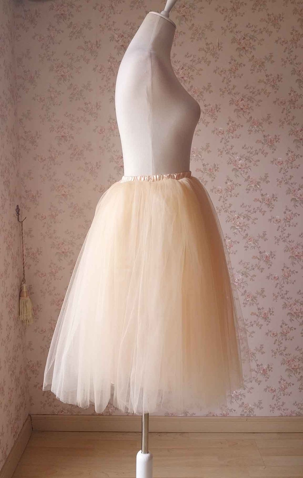 Apricot Tulle Skirt Ladies Ball Skirt Fashion Long Petticoat