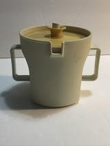 Tupperware Vintage Creamer Mug Almond with Gold Seal 1415 Travel RV Portable EUC - $7.66