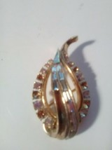 Vintage TRIFARI Clear Rhinestone Stylized Brooch, 1950s Signed PAT PEND Pin - $26.03