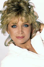 Barbara Mandrell stunning close up portrait Country music star 18x24 Poster - $23.99