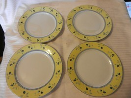 "Set of 4 Royal Doulton Ceramic Dessert Plates Blueberry Pattern 7.5"" Diameter - $49.50"