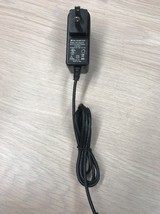 AC Power Supply Adapter Charger THX-050200KE Output: 5V DC 2A                 S1