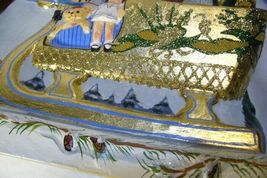 Vaillancourt Folk Art Large Santa in Golden Sleigh personally signed by Judi! image 11