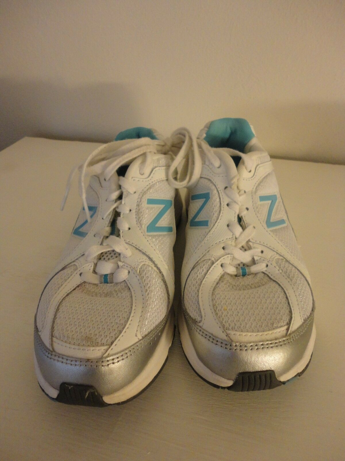 New Balance Womens Blue White Athletic Shoes Sneakers walking strike path Sz 7.5