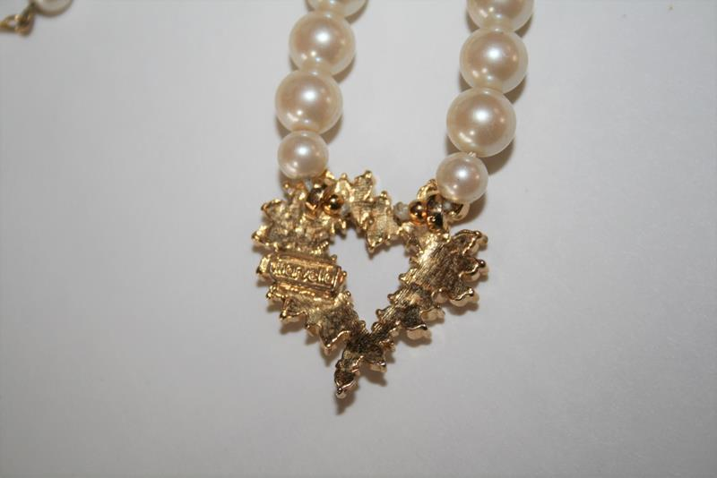 Marvella Faux Pearl Sparkling Crystal Heart Choker Necklace J273