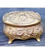 ANTIQUE ART NOUVEAU CAST METAL JEWELRY TRINKET BOX DAISEY FLORAL GOLD GI... - $36.99