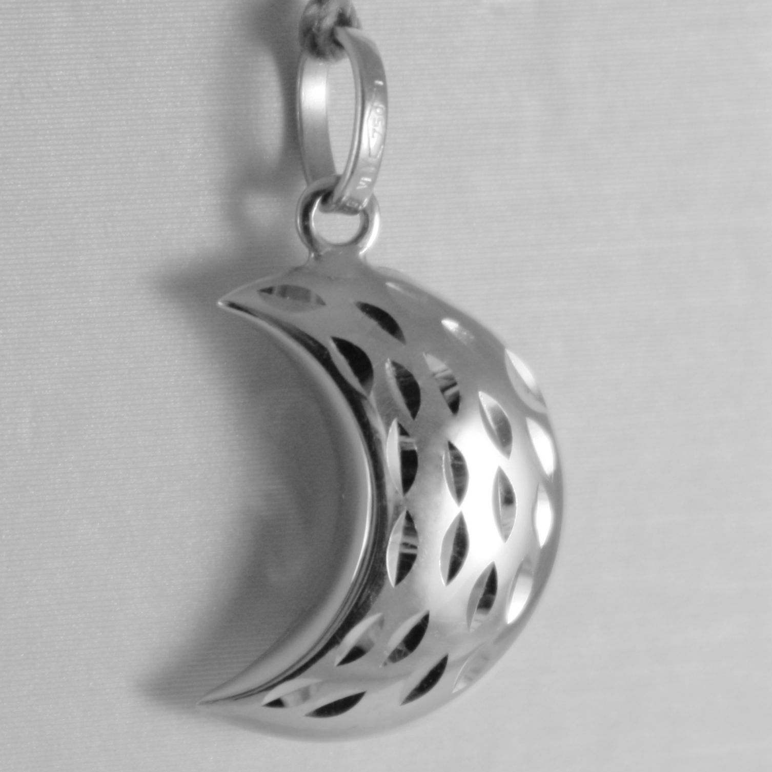 18K WHITE GOLD ROUNDED MINI HALF MOON PENDANT FINELY HAMMERED MADE IN ITALY