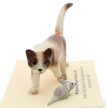 Hagen-Renaker Miniature Ceramic Cat Figurine Calico Prowling with Mouse image 2