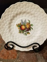 Vtg Copeland Spode Plate Salad Luncheon 9'' Embossed Daisy Fruit England... - $13.37