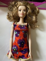 Barbie FASHIONISTAS Doll Chic Floral Dress Curly Hair 2018-2019 - $9.99