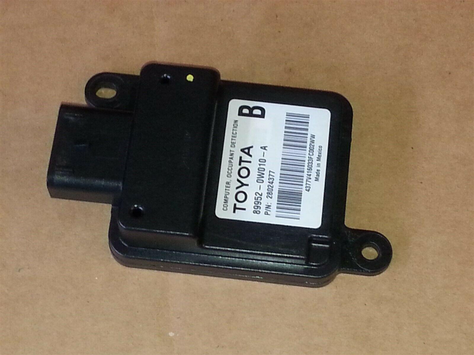 Lexus Toyota Computer Occupant Detection Module 89952-0w010-A