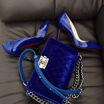 AUTHENTIC CHANEL ROYAL BLUE QUILTED VELVET MEDIUM BOY FLAP BAG SHW image 14