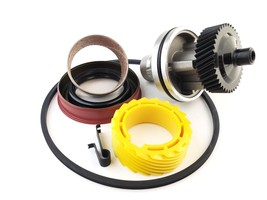 7004R 40 & 19 Tooth Speedometer Gears & Housing w Tail Housing set up 700R4 - $79.95