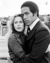 A Killing Affair O.J. Simpson 1977 Embraces Woman 16x20 Canvas - $69.99