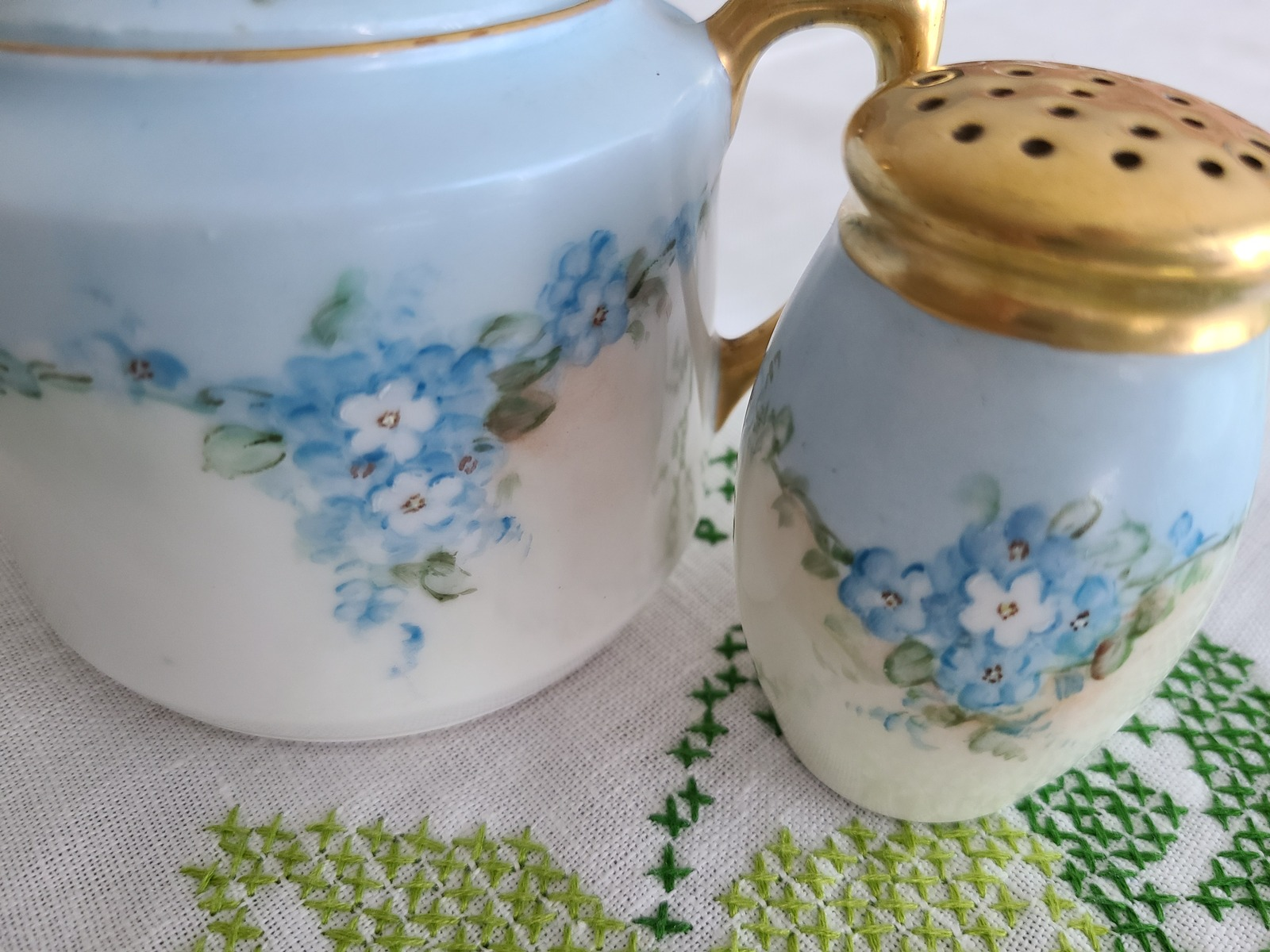 C.T. Altwasser Bavaria Covered Sugar and Single Shaker in Blue Hand-painted