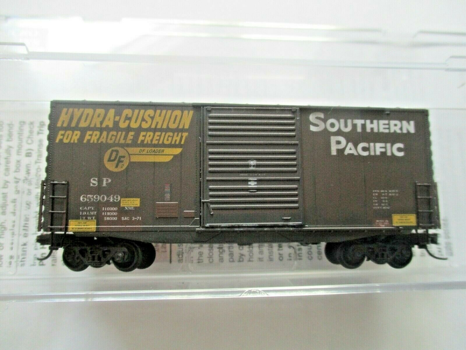 Micro-Trains # 10144060 Southern Pacific Weathered 40' Hy-Cube BoxCar N-Scale