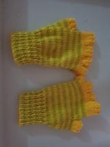 Hand knitted  gloves   half finger  childs - $15.93 CAD