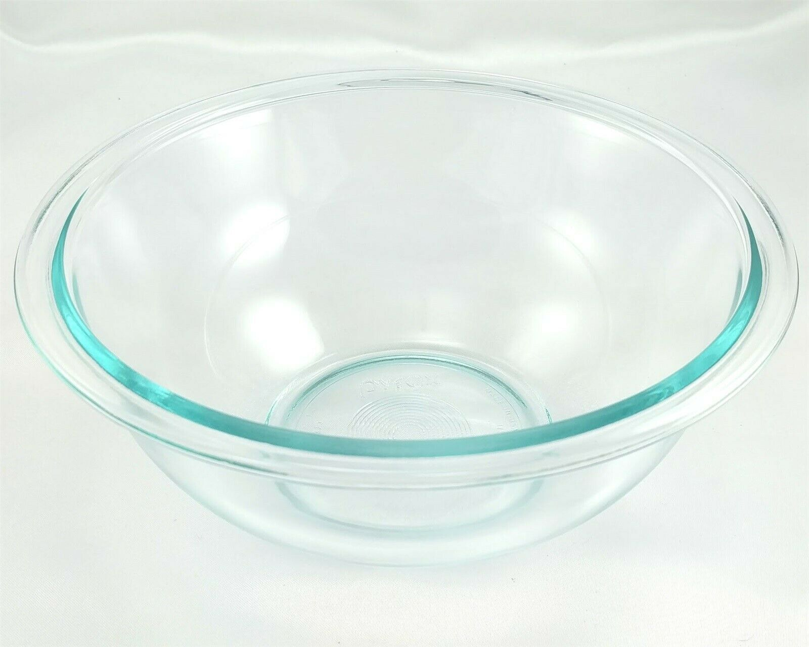 Pyrex 323 Blue Tint Mixing Serving Bowl 1½ Qt Extended Rim Made in the USA