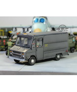 USAF Chevrolet Bus for carrying pilots in airfield /w crew 1:72 Pro Buil... - $59.38