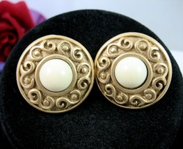 NAPIER Round White Cab S Design CLIP ON SCREW BACK EARRINGS Vintage Gold... - $14.99