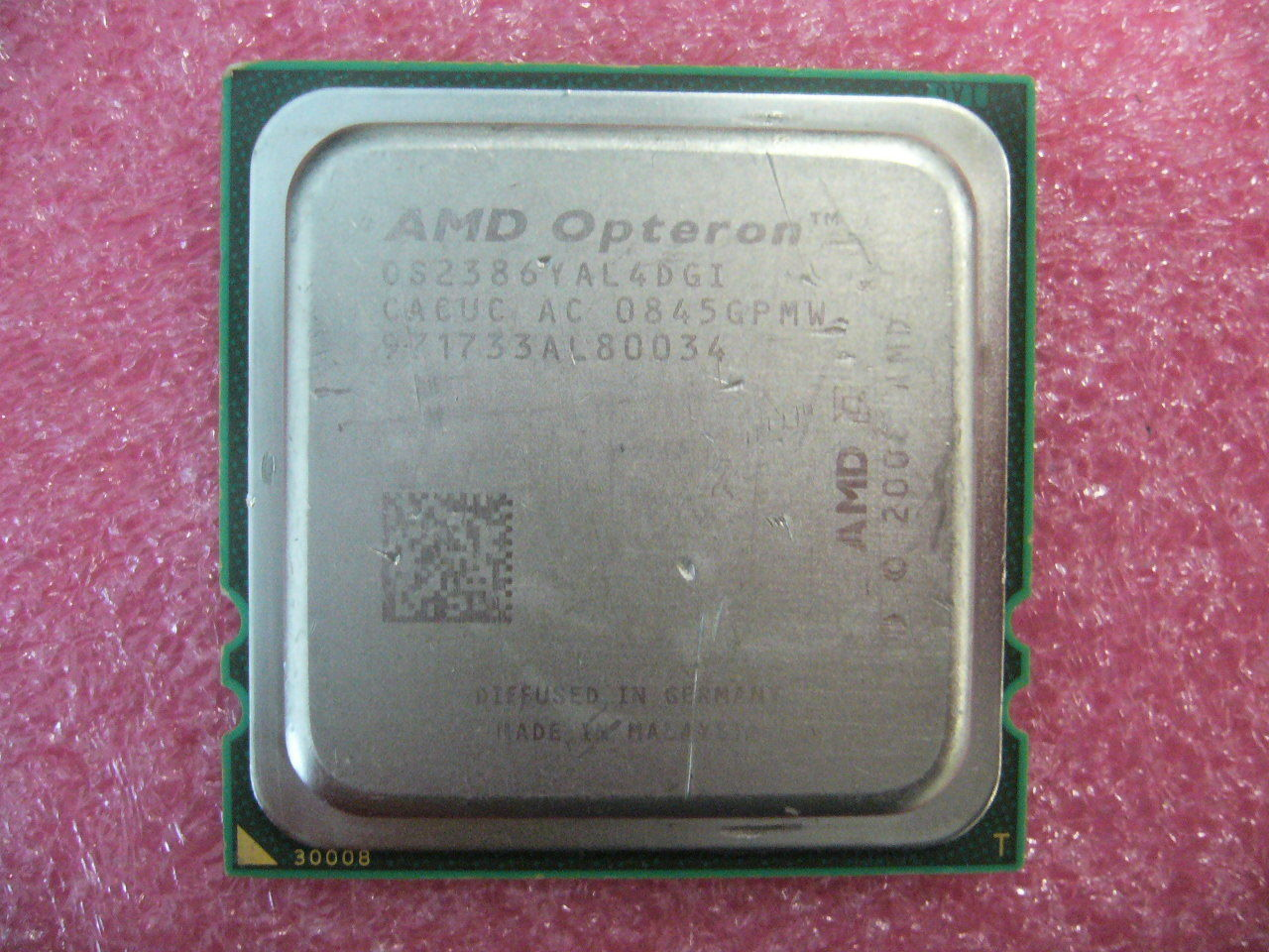 Primary image for QTY 1x AMD Opteron 2386 2.8 GHz Quad-Core (OS2386YAL4DGI) CPU Socket
