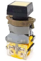 EAO 704.901.5/A SWITCHING ELEMENT W/ 704-950-0 LAMP BLOCK & BUTTON YELLOW